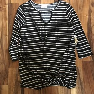 Tops - NWT front knot top